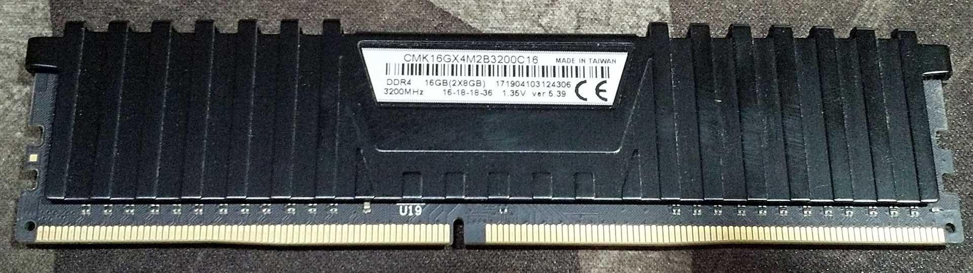 CMK16GX4M2B3200C16.jpg