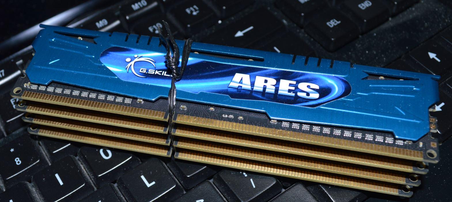 DDR3-2400 32GB.JPG