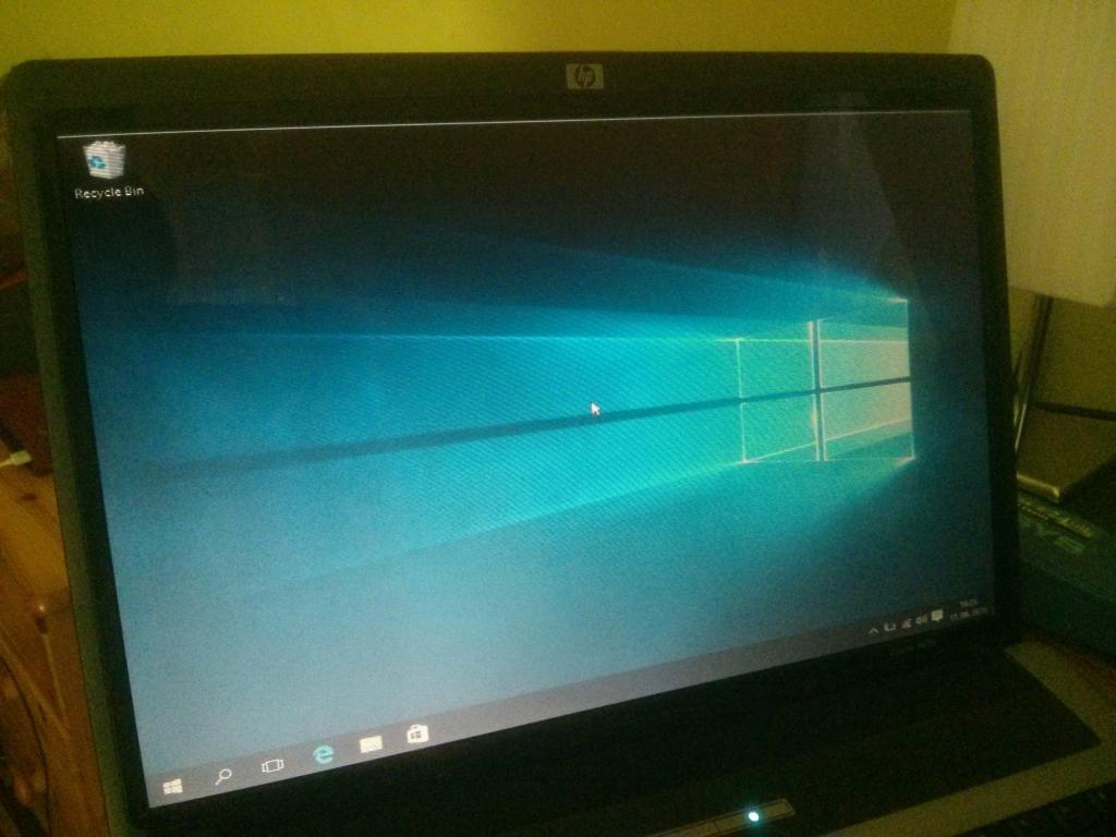 HP laptop screen problem (horizontal lines) | TechPowerUp Forums