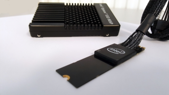 Intel_Optane_SSD_905P_connections.jpg