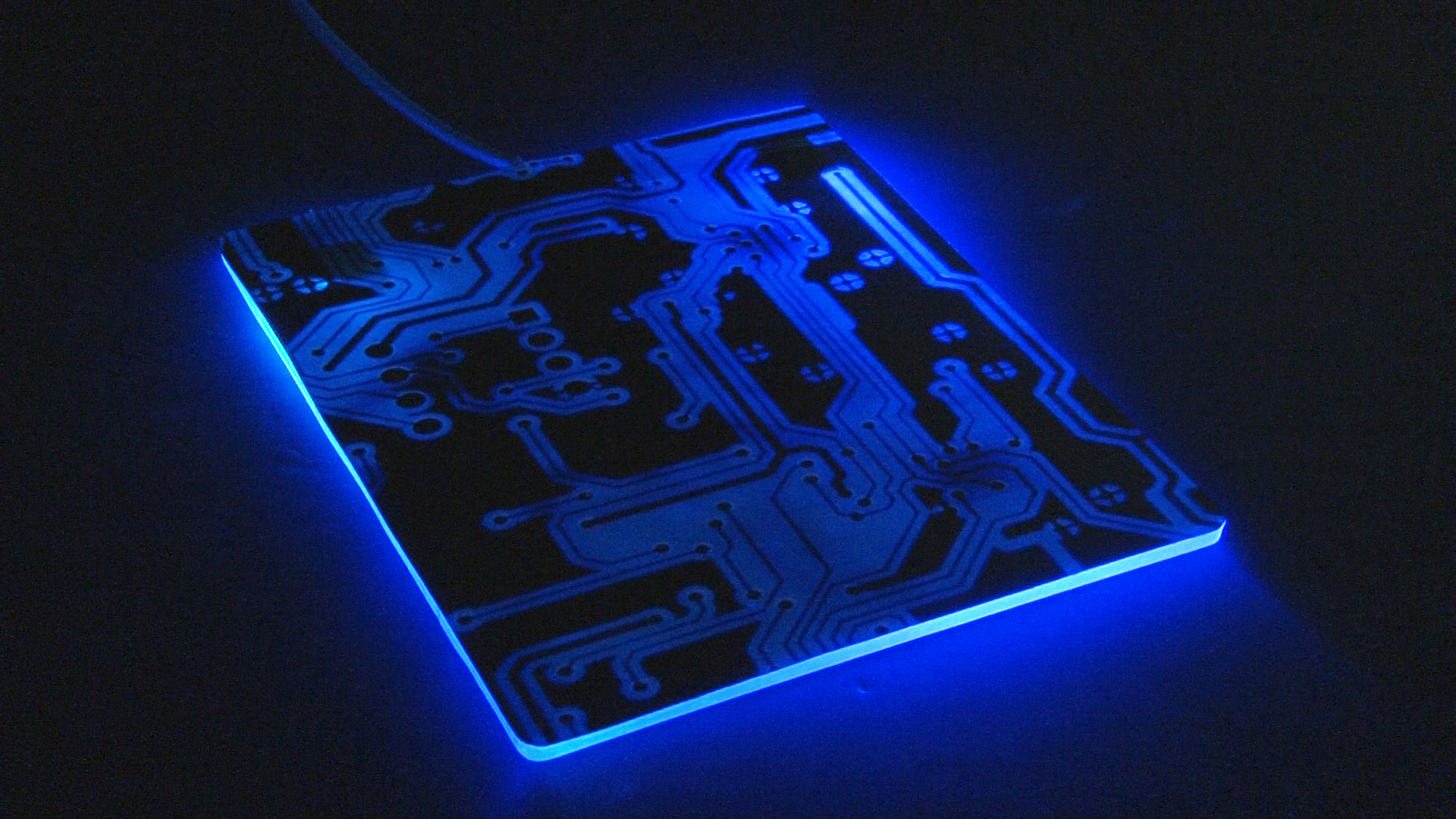 Razer Introduces The Firefly Gaming Mousepad With