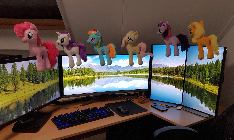 professional-work-desk.jpg