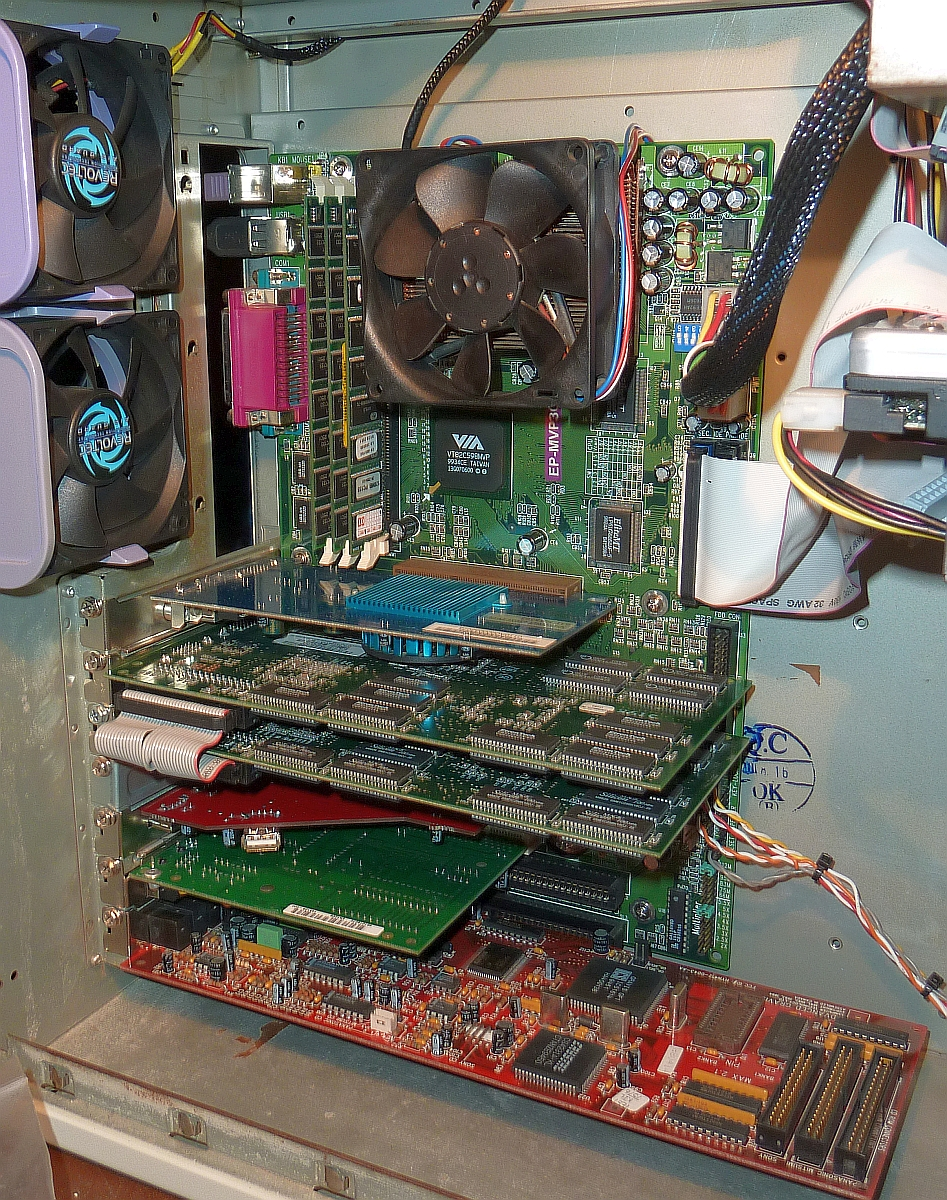 SS7 Epox EP-MVP3G2 K6-III+ 560MHz 384MB RAM Kyro I V2 SLI GUS 0613 1200 01.jpg