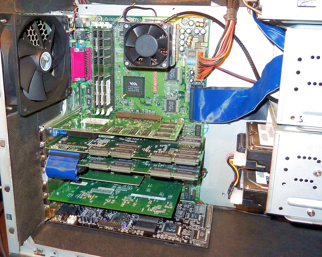SS7 MVP3G5 - K6 III+ - 3x 256MB Inf. CL2 - V770U - 2x V2 12MB - Maestro 3296 1000h.jpg