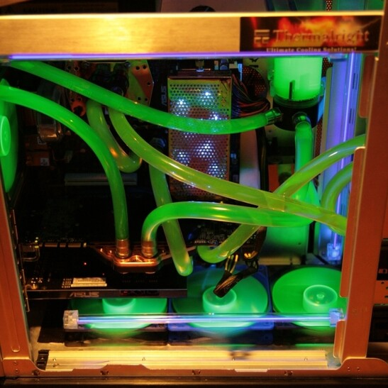 [Case Gallery] - Watercooled Cooler Master Stacker Nvidia Edition!! | TechPowerUp Forums