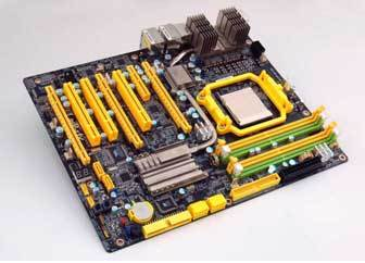 DFI lancia la nuova LANParty UT 790FX-M2R per Phenom