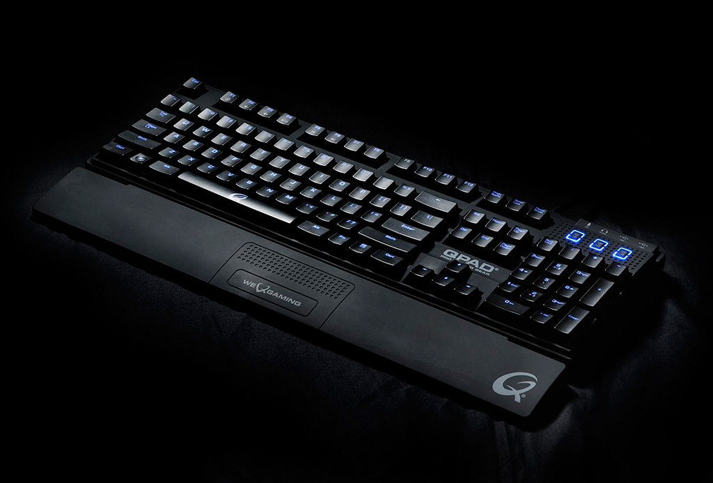 Qpad mk-85 mechanical gaming keyboard - red led backlight - uk layout - black switches