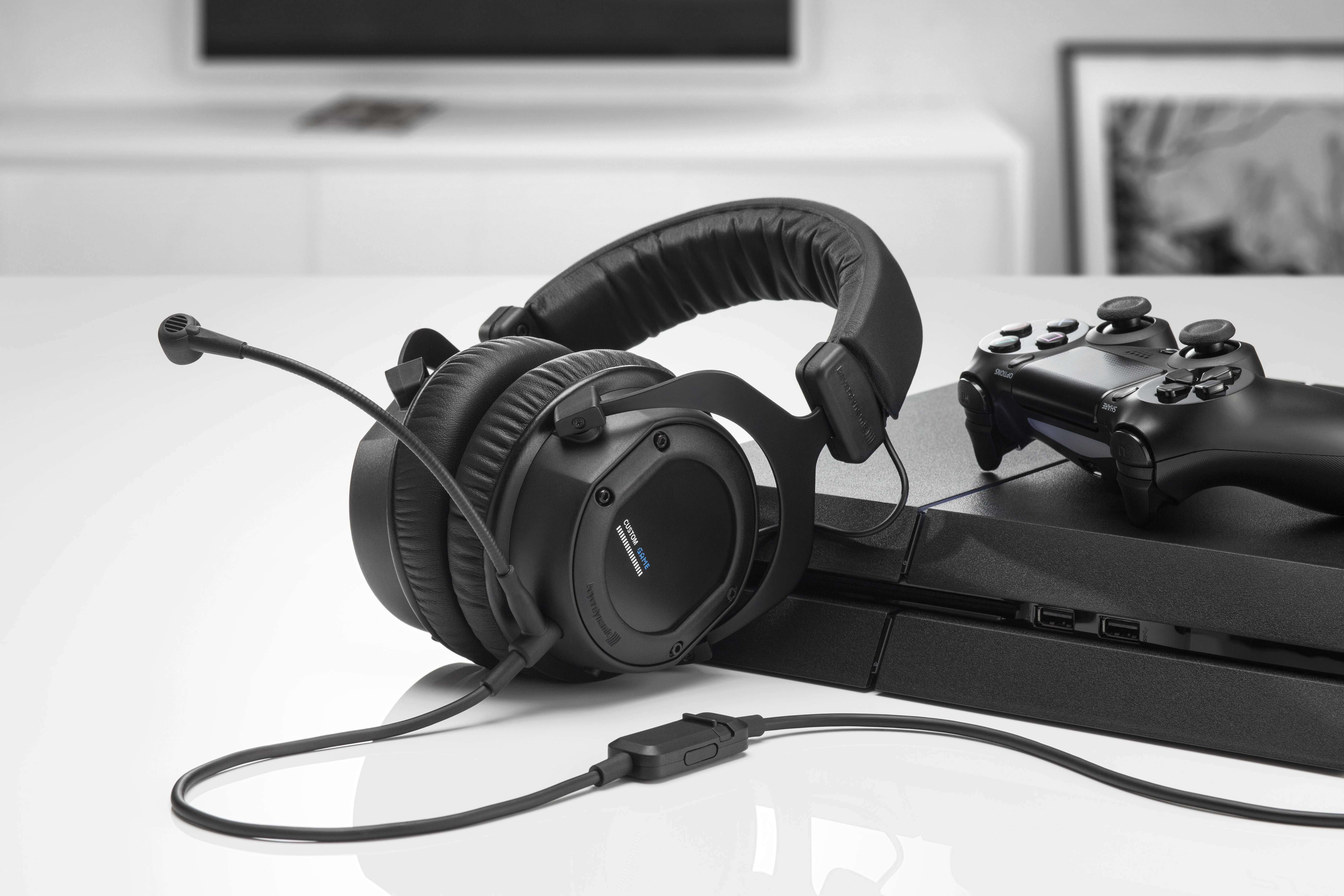 Beyerdynamic Announces The Custom Game Headset To Be Presented At Headphone Dtx 350m As First Gaming Of Successful Product Series It Takes Advantages One Pro Street And Studio Transfers
