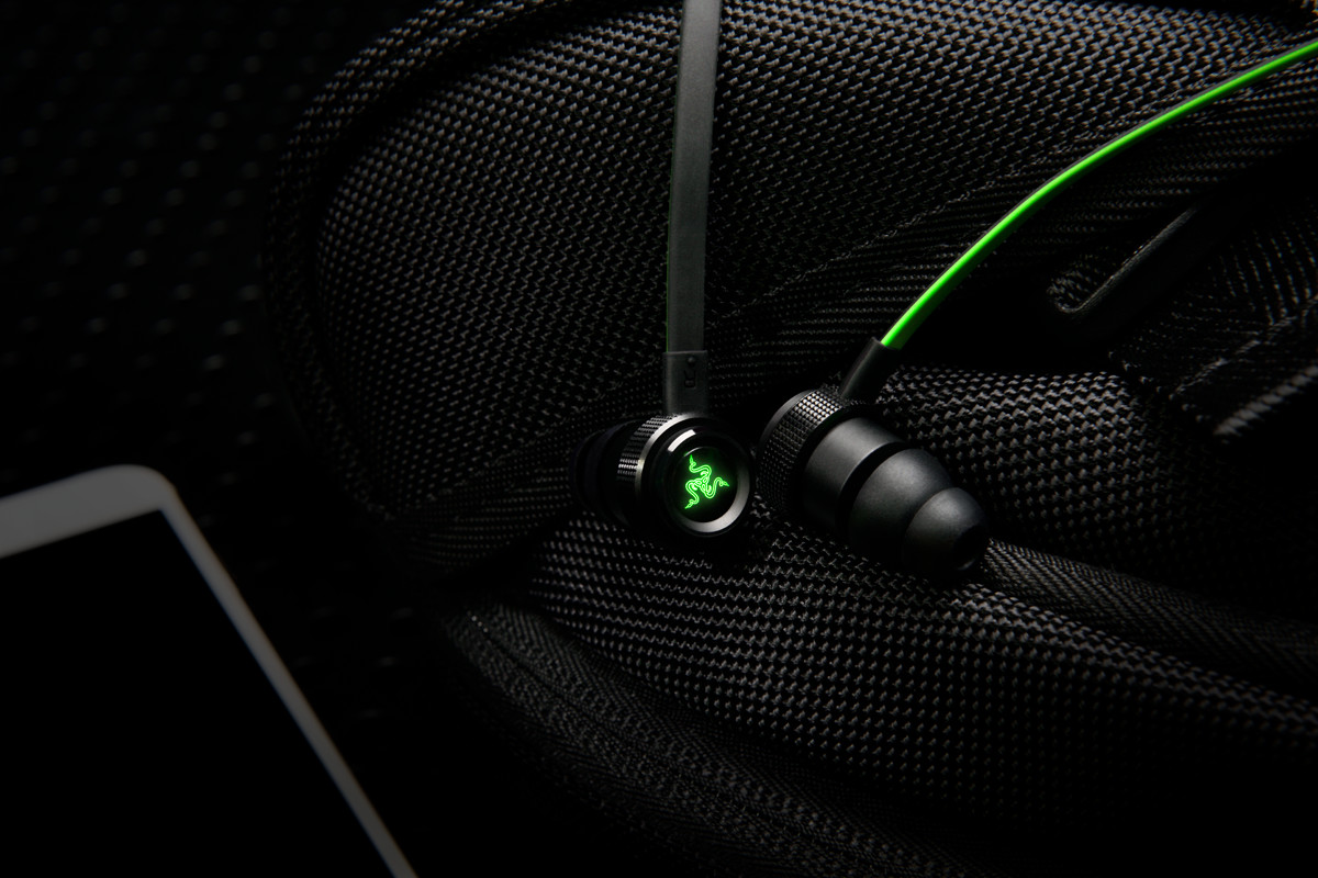 Earbuds with track control - headphones with mic control