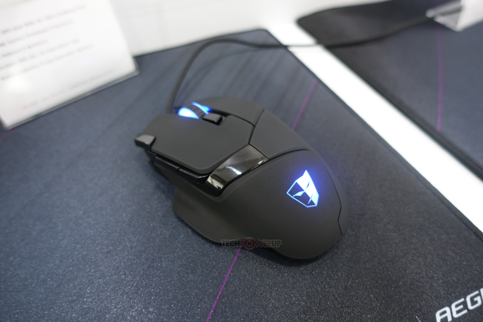 gaming mice with thumb rest