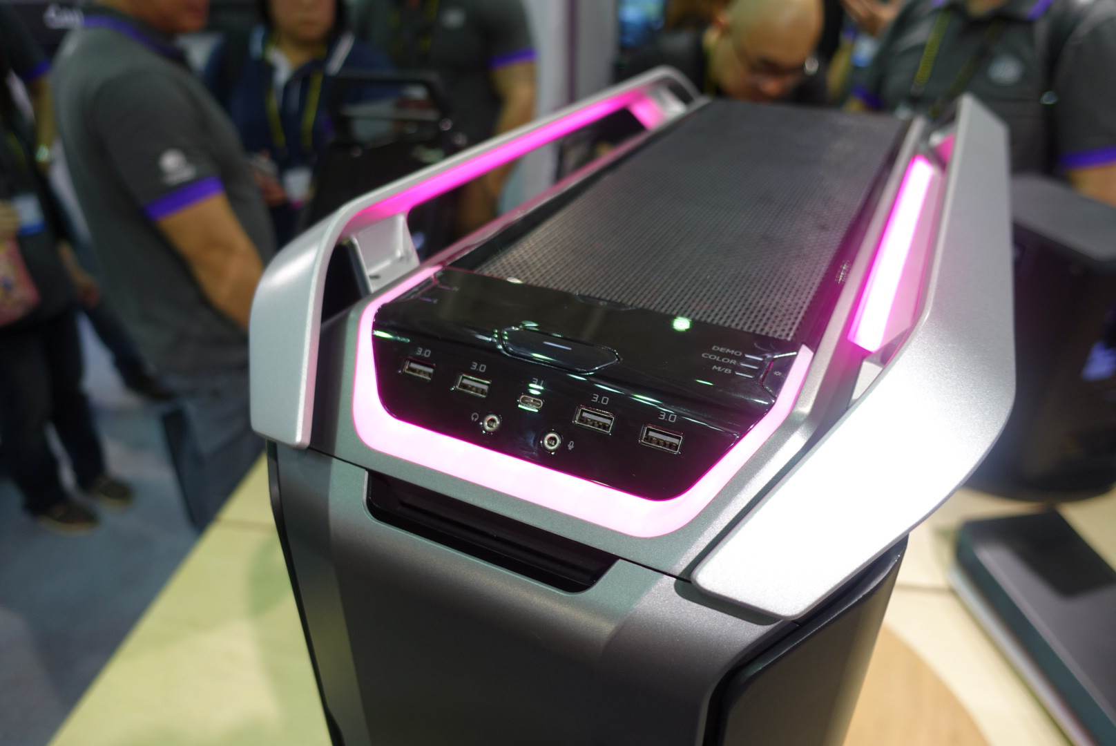 Cooler Master Cosmos 3 Good The Power Supply Shroud Looks Great Dual Curved Tempered Glass Side Panel For C700 Used In Panels Is Slightly