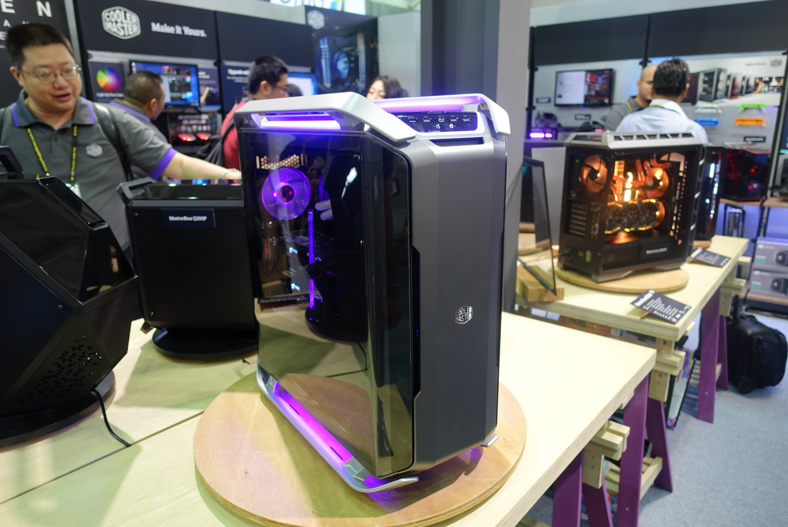 Cooler Master Showcases The Cosmos C700p On Cosmos Line S