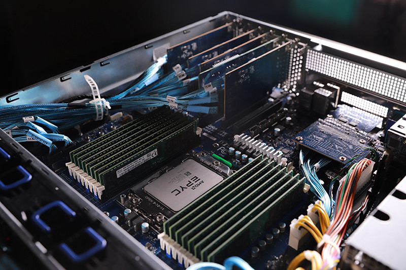 GIGABYTE Smashes 11 World Records with New AMD EPYC 7002