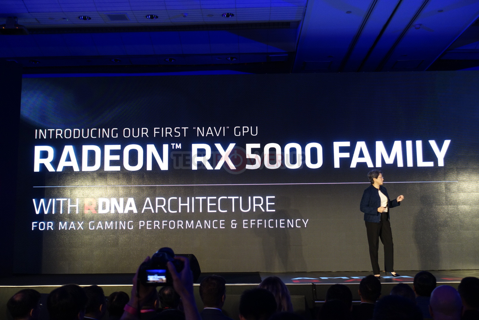 AMD Announces Radeon RX 5700 Based on Navi: RDNA, 7nm, PCIe