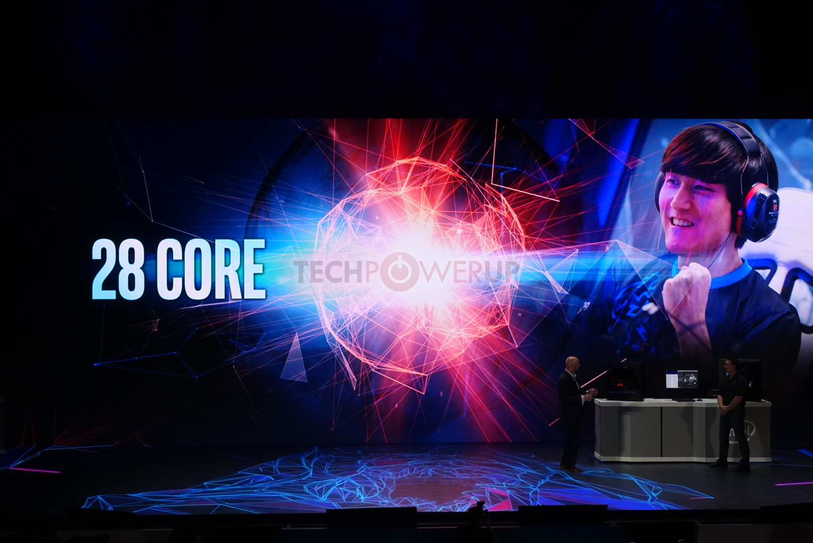 The new CPU from Intel with 28-Core 5 GHz will available to ship at end of the year 1