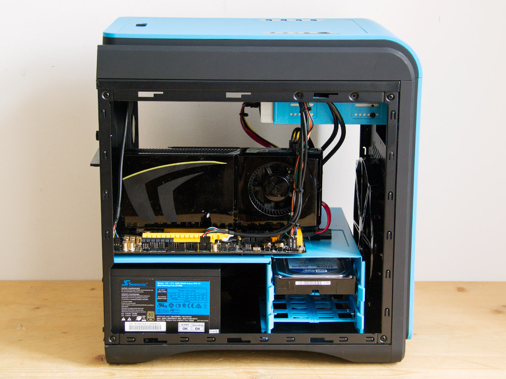 http://www.techpowerup.com/reviews/Aerocool/DS_Cube/images/install1.jpg