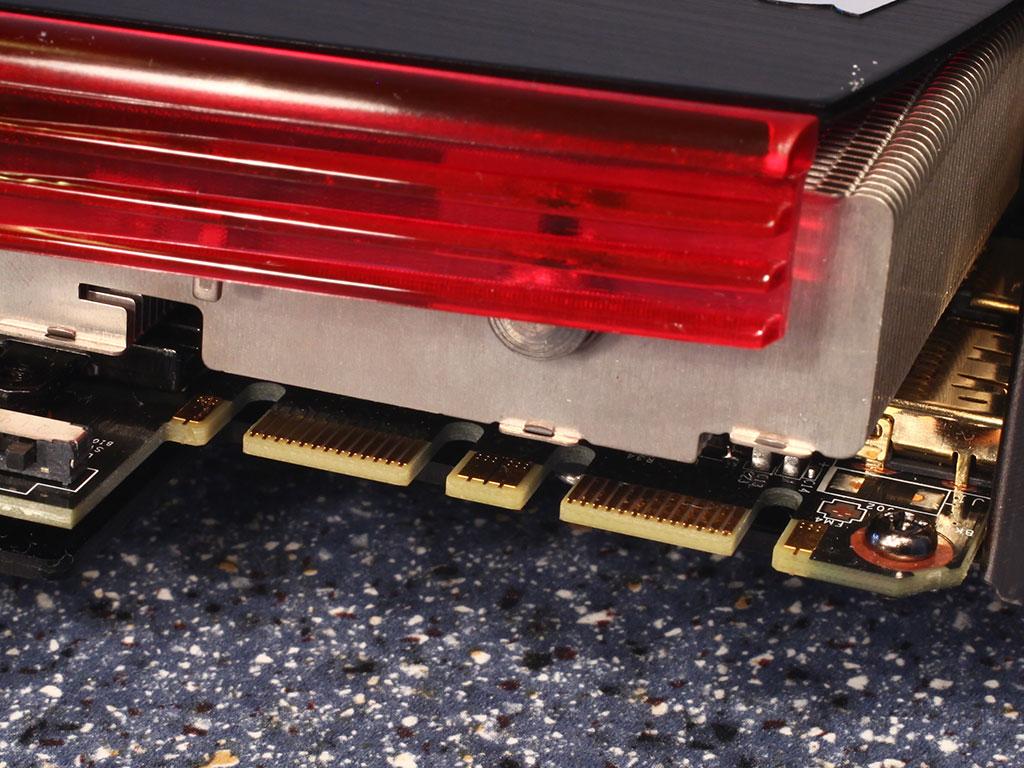 http://www.techpowerup.com/reviews/MSI/N480GTX_GTX_480_Lightning/images/sli.jpg
